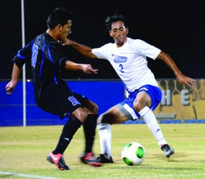 `Runners hold off Houston Baptist 2-1