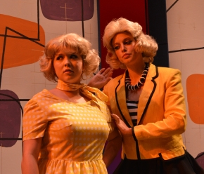 'Hairspray' can't stop the beat